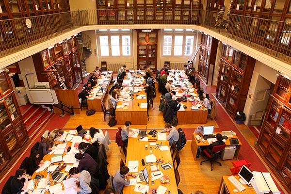 Bibliothèque Garrigou - salle de travail